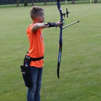 Eerste training op de buitenbaan. - HBS Wilhelmina Ospel